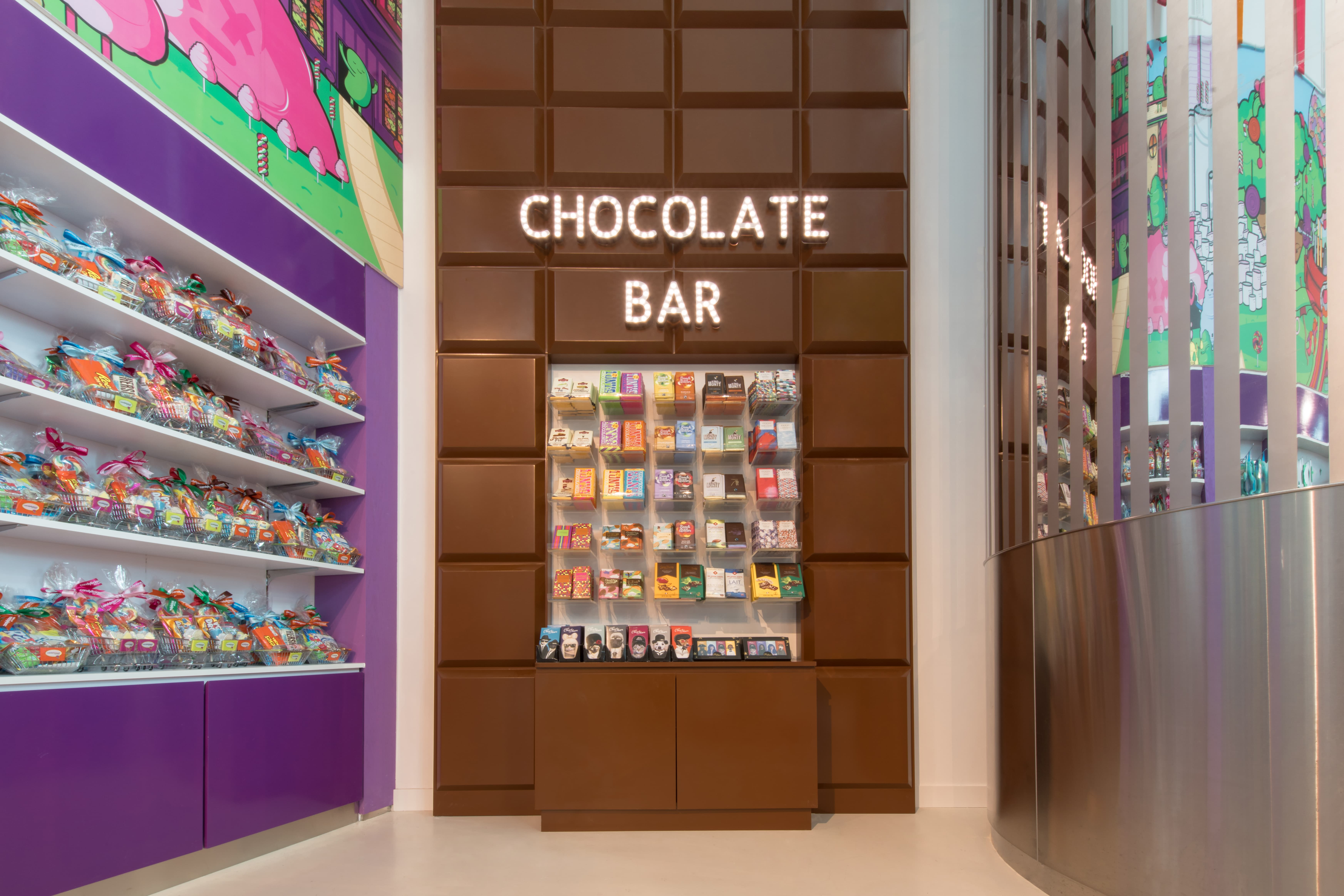 H2RDesign_CandyliciousDubaiAirport_IMG05-min