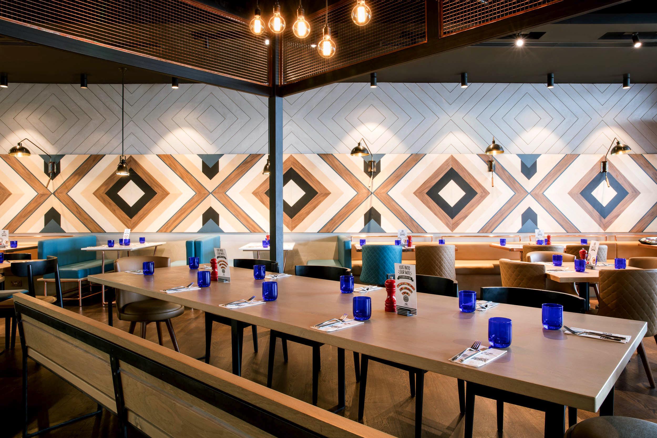 PizzaExpress-Interior Design UAE