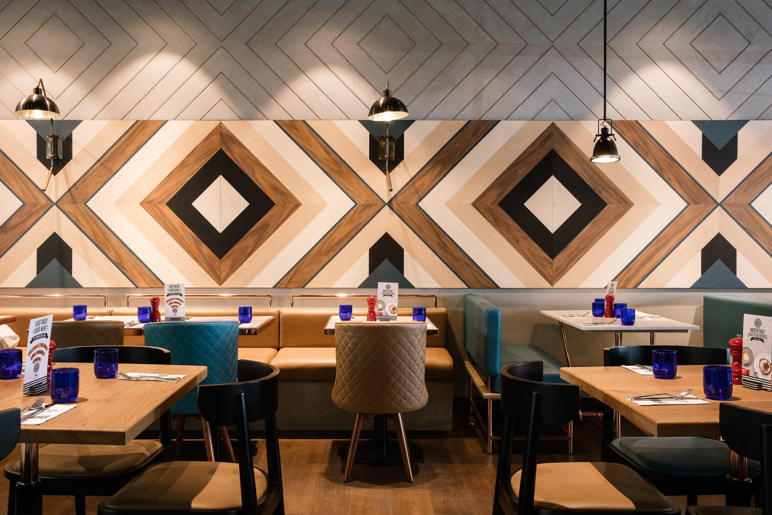PizzaExpress-Luxury Interior Design UAE