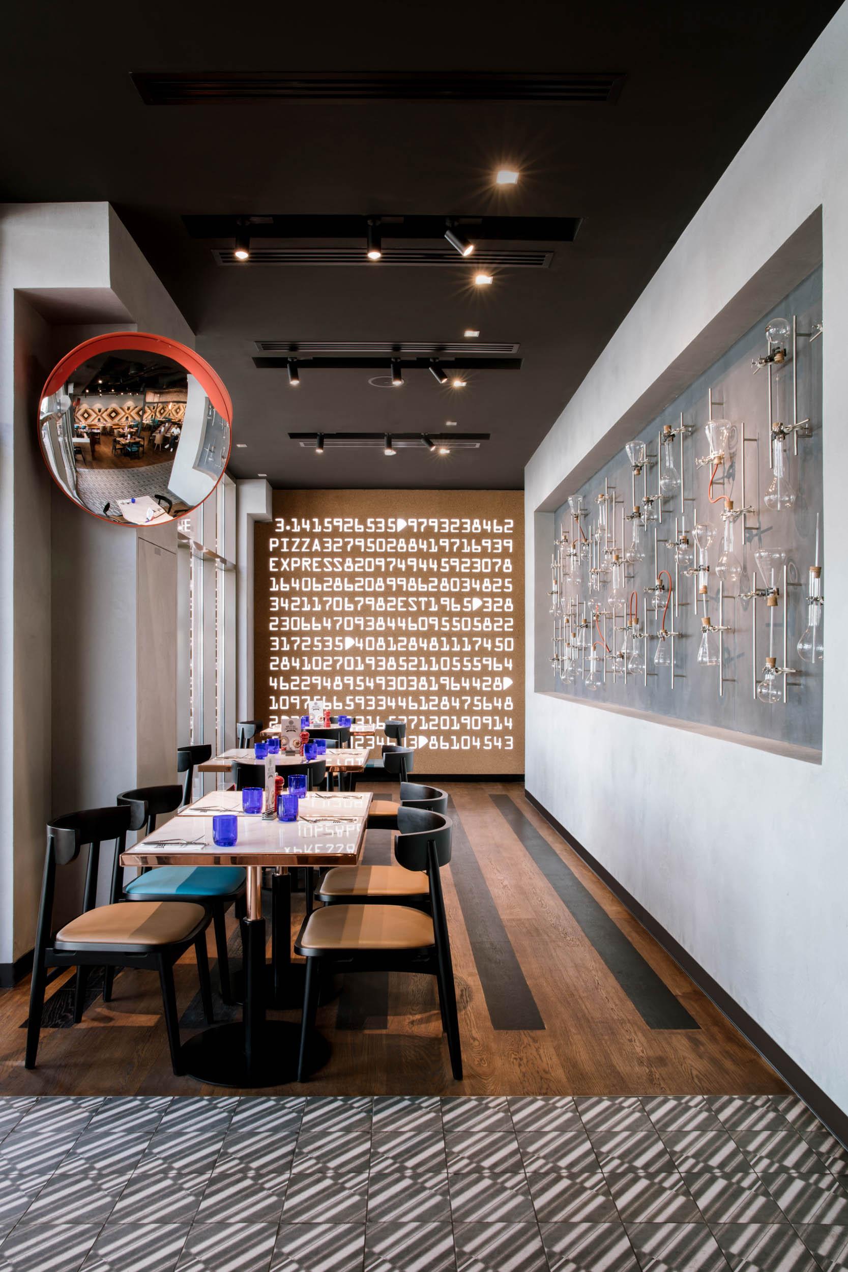PizzaExpress-Interior Design Dubai